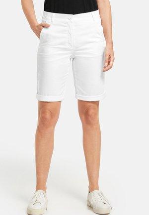 MIT SAUMUMSCHLAG - Shorts - white