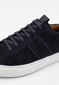 Lloyd - ASSAM - Sneakersy niskie - midnight - 5