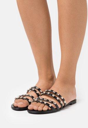 CEVAN - Pantofle - black