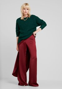 Pedro del Hierro - FLOWING TROUSER - Trousers - reds - 1