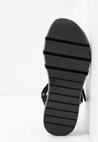 Toral - Sandaalit nilkkaremmillä - black - 6