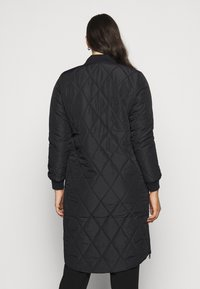 ONLY Carmakoma - CARCARROT LONG QUILTED JACKET - Classic coat - black - 2