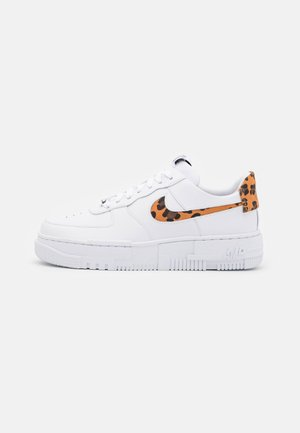 AIR FORCE 1 PIXEL - Trainers - white
