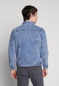 Weekday - SINGLE JACKET - Kurtka jeansowa - blue medium dusty - 2
