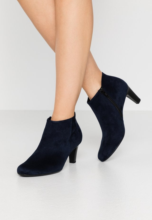 Ankle boots - river