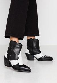 Bianco - BIACUBA WESTERN - Ankle boots - white - 0