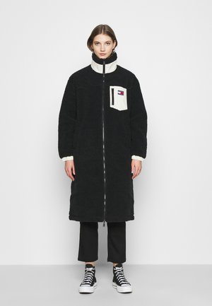 REVERSIBLE SHERPA COAT - Villakangastakki - black/ecru