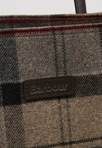 Barbour - WITFORD TARTAN TOTE - Tote bag - winter - 7