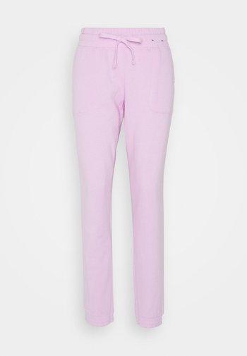 GYM TRACK PANTS - Pantalones deportivos - blossom marle