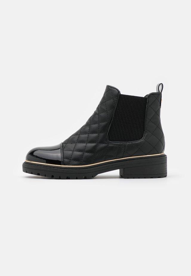QUILT CHELSEA - Ankle boots - black
