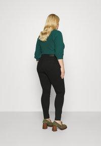 Pieces Curve - PCLILI - Jeans Skinny Fit - black - 2