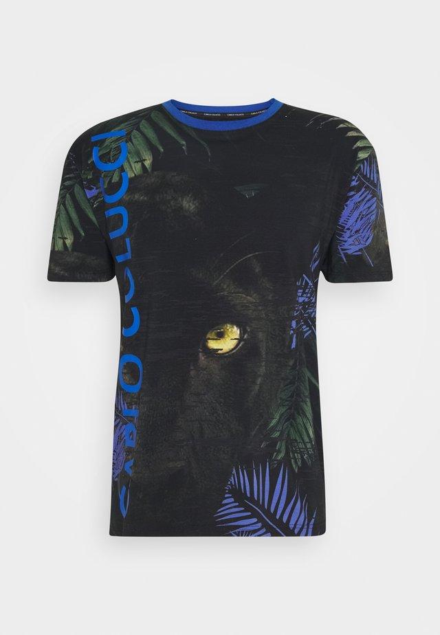 T-shirt con stampa - schwarz blu