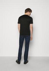 Emporio Armani - EXCLUSIVE  - T-shirt basic - black - 2