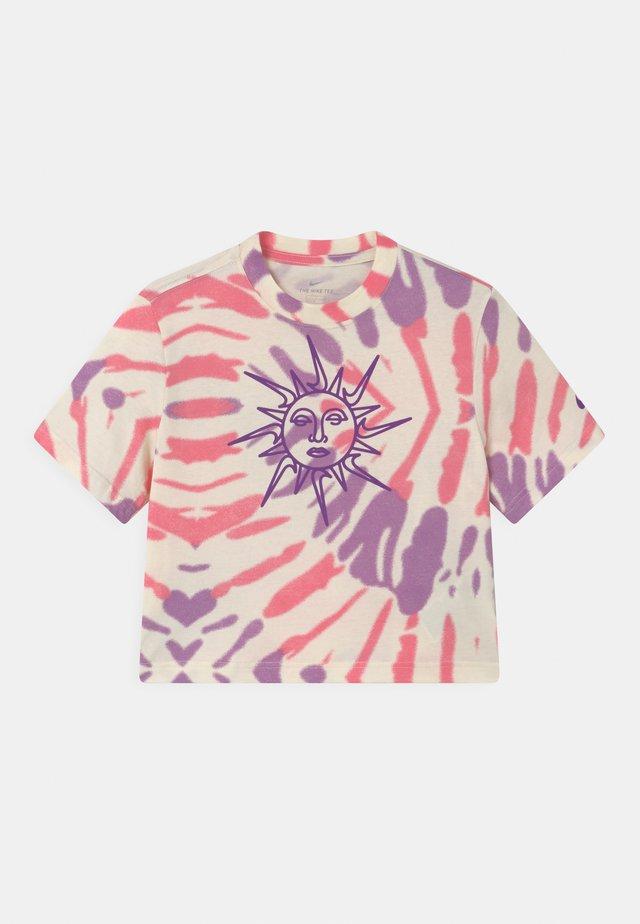 BOXY TIE DYE - T-shirt print - coconut milk/sunset pulse/violet shock