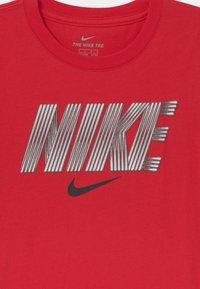 Nike Sportswear - BLOCK LINES  - Print T-shirt - university red - 2