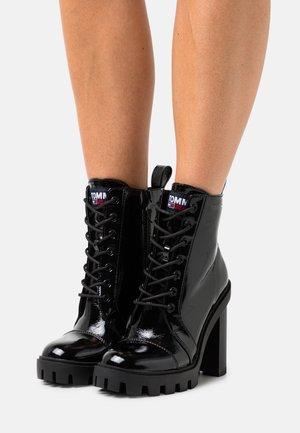 LACE UP - Kotníková obuv na vysokém podpatku - black