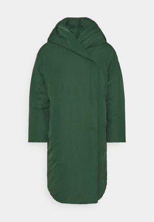 JANNA COAT - Zimní kabát - green