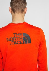 The North Face - EASY TEE - Langarmshirt - fiery red - 4