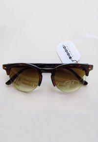 Icon Eyewear - MARTINE - Sunglasses - tortoise & matt tortoise - 2