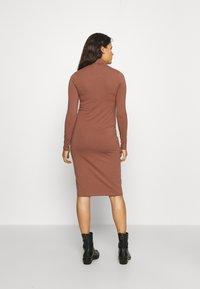 MAMALICIOUS - MLSIA  - Jersey dress - nutmeg - 2