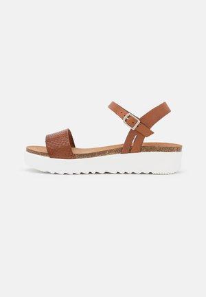EDEN - Platform sandals - whisky