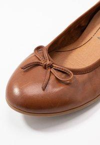 Tamaris - Ballet pumps - cognac - 2