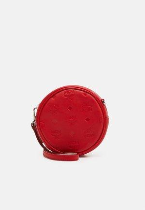 Bum bag - viva red