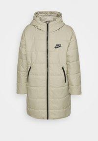Nike Sportswear - CORE - Zimní kabát - stone/white - 5