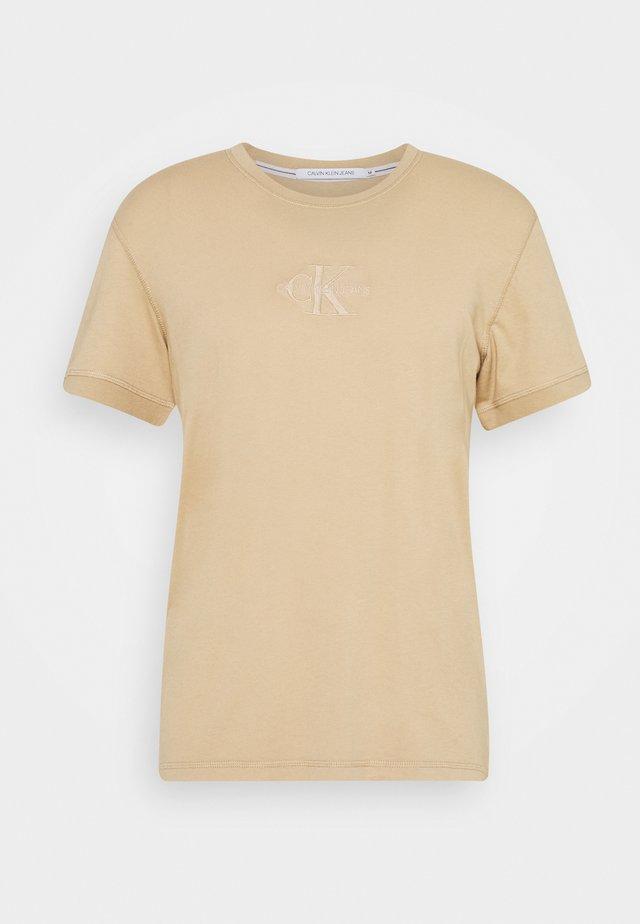 ACID WASH TEE - T-shirts basic - irish cream