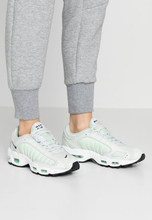 AIR MAX TAILWIND - Trainers - spruce aura/black/white/pistachio frost/barely volt