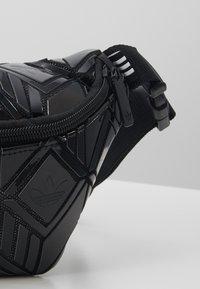 adidas Originals - WAISTBAG §D - Ledvinka - black - 2
