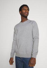 Pier One - 3 PACK - Sweatshirt - bordeaux/black/grey - 2