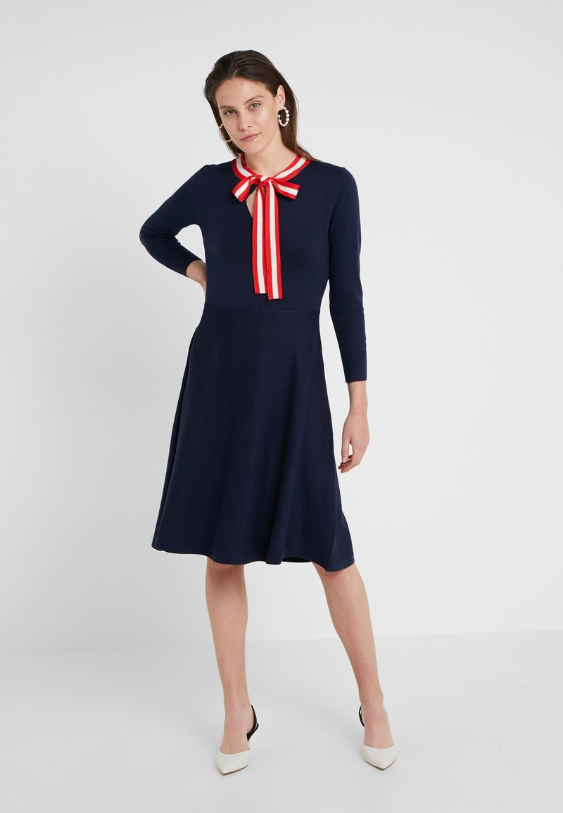 J.CREW - ALICE NECK TIE DRESS - Pletené šaty - navy/cerise/ivory