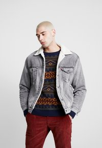 Levi's® - VIRGIL TRUCKER - Denim jacket - grey - 0