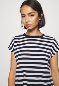 GAP Petite - Camiseta estampada - dark blue - 4