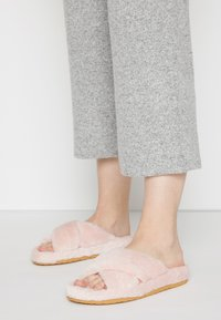 Steve Madden - FUZED - Slippers - pink - 0