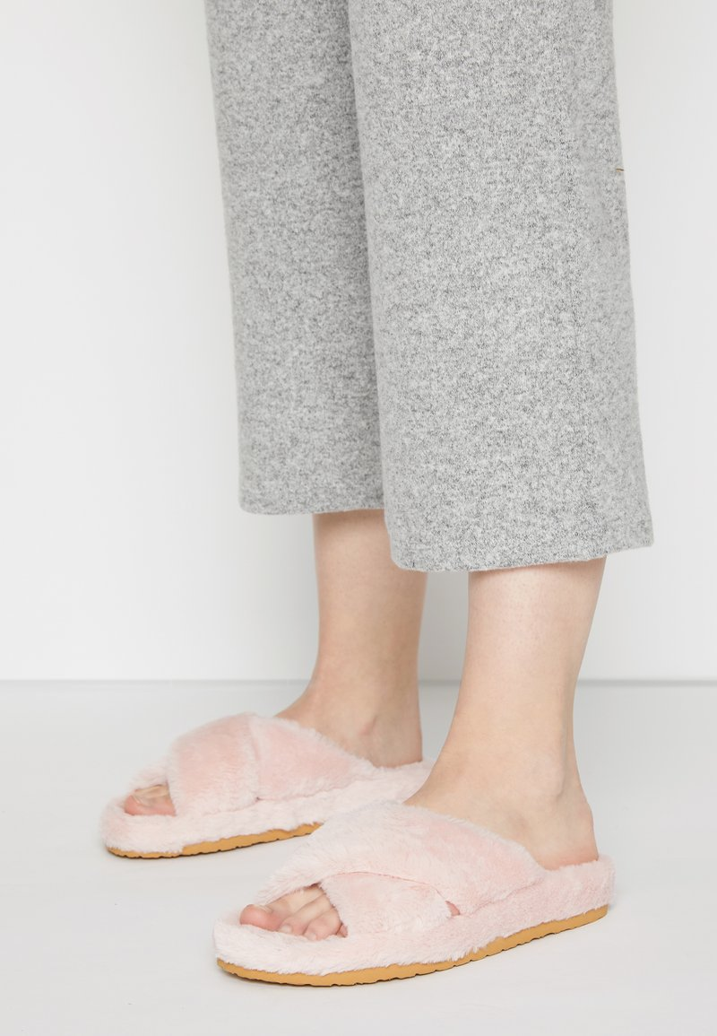 Steve Madden - FUZED - Slippers - pink