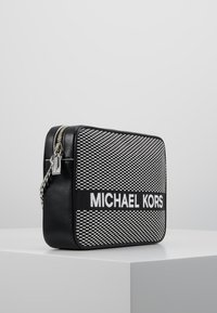 MICHAEL Michael Kors - Umhängetasche - black/optic white - 3