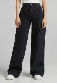 Bershka - Pantaloni cargo - black - 0