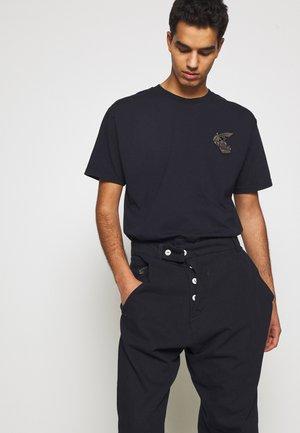 NEW BOXY BADGE - Print T-shirt - royal blue