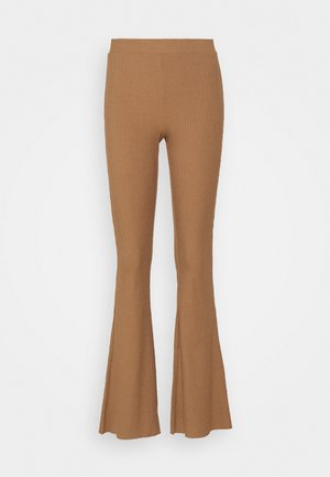 VMKAMMA FLARED CLEO PANT - Pantalon classique - tobacco brown