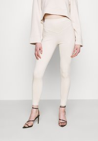 Fashion Union - NINETTE - Leggings - Trousers - beige - 0