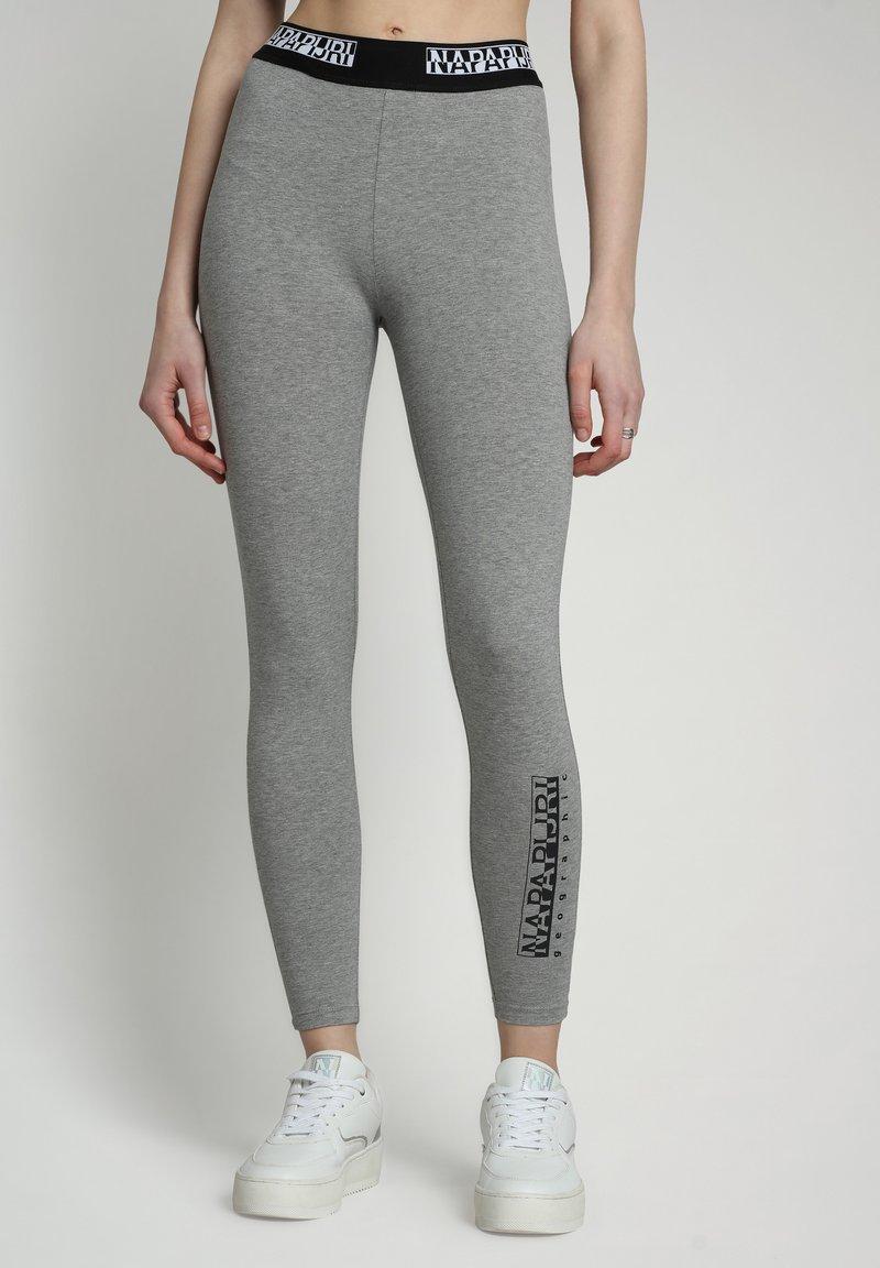 Napapijri - M-BOX LEGGINGS - Leggings - Trousers - medium grey melange