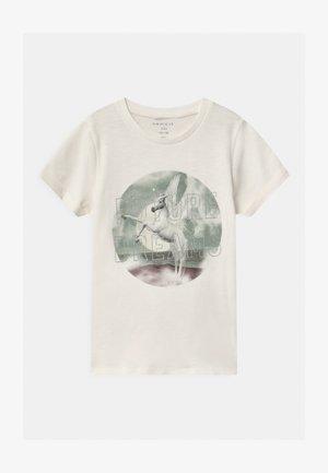 NKFTHEAIA - T-shirt print - snow white
