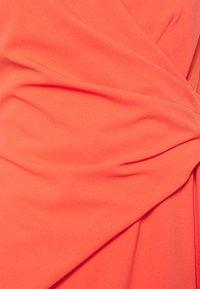 Lauren Ralph Lauren - LUXE TECH CREPE DRESS - Cocktail dress / Party dress - regal coral - 2