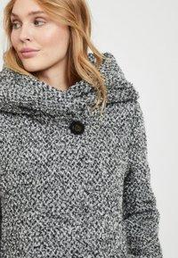 Vila - Short coat - light grey melange - 3