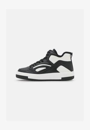 VEGAN TRAECLYA - Baskets montantes - black/white