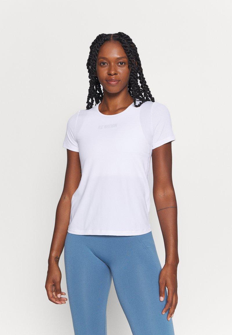 Casall - ICONIC TEE - Basic T-shirt - white