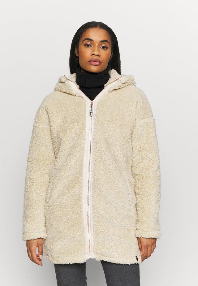 TANVI WOMEN JACKET - Fleecová bunda - almond