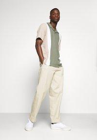 Jack & Jones PREMIUM - JPRHARREM  - Polo shirt - agave green - 1